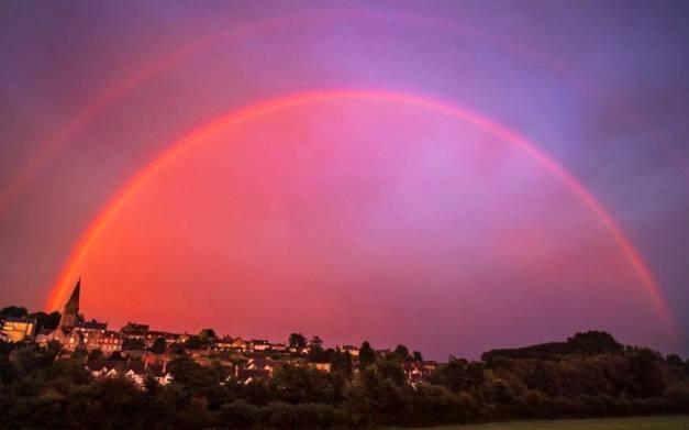 106740267-red-rainbow-news-xlarge_trans_NvBQzQNjv4BqzpLIMkIGUMcygT0RwMtmykiO1qdGkkfNE205U-bqLrE