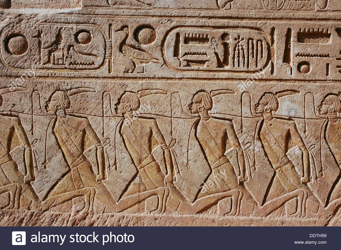 alivio-de-los-prisioneros-de-guerra-capturados-nubia-el-templo-de-ramses-ii-en-abu-simbel-egipto-artista-werner-forman-ddth59