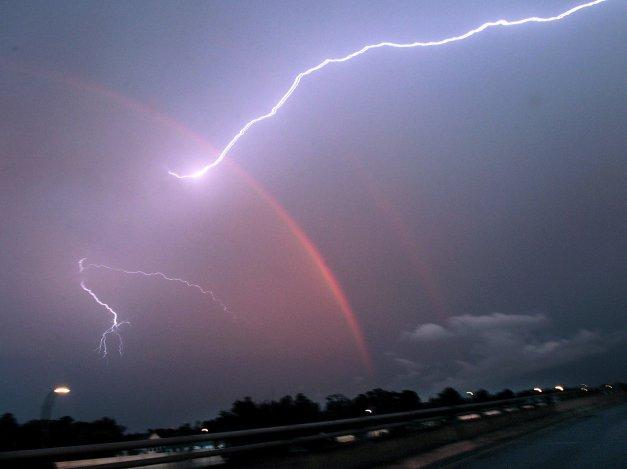 rainbow-lightning-357d957b7f03c273
